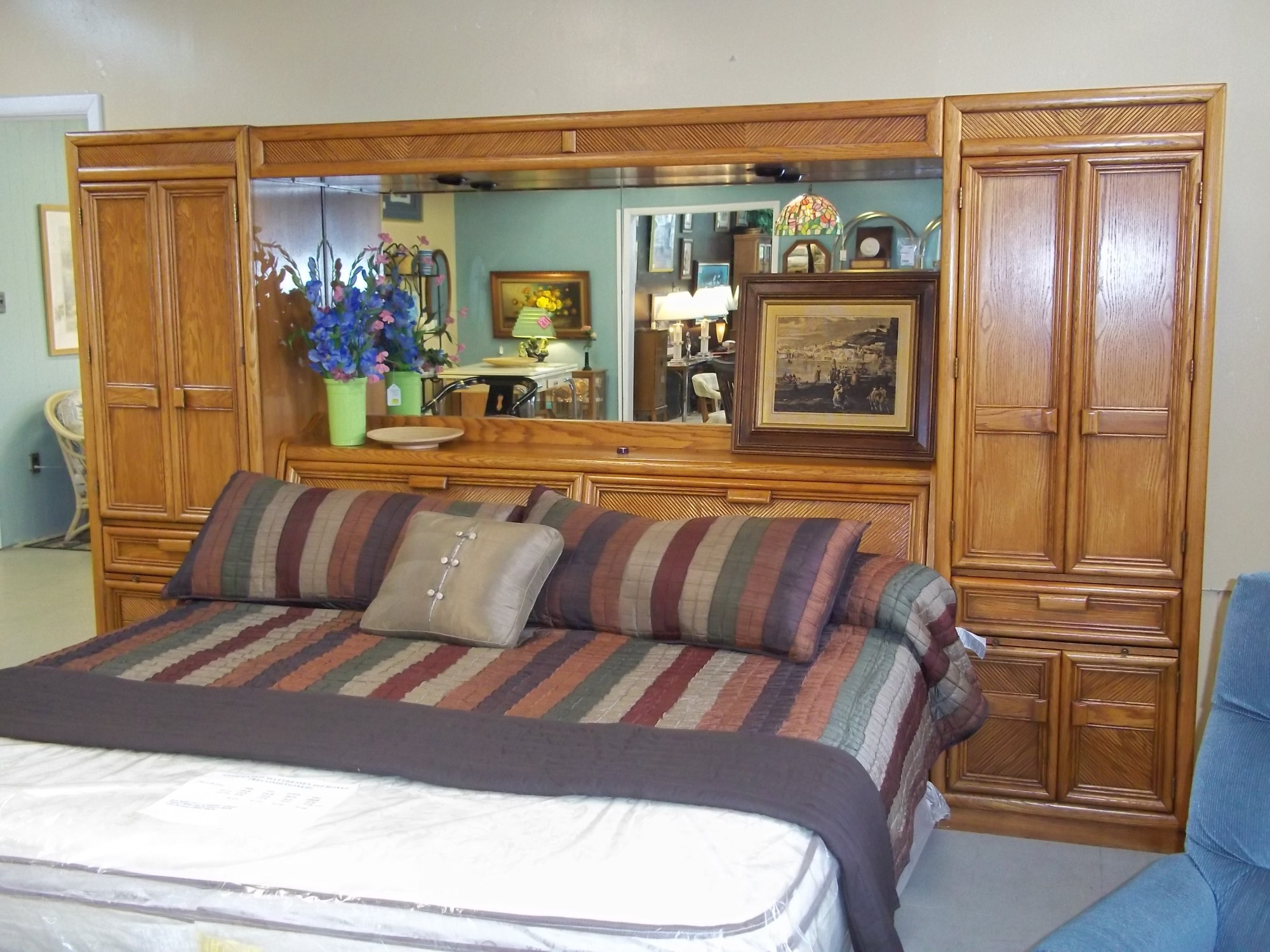 W 1 8739 Oak King Size Mirrored And Lighted Headboard Wall Unit Is Sold