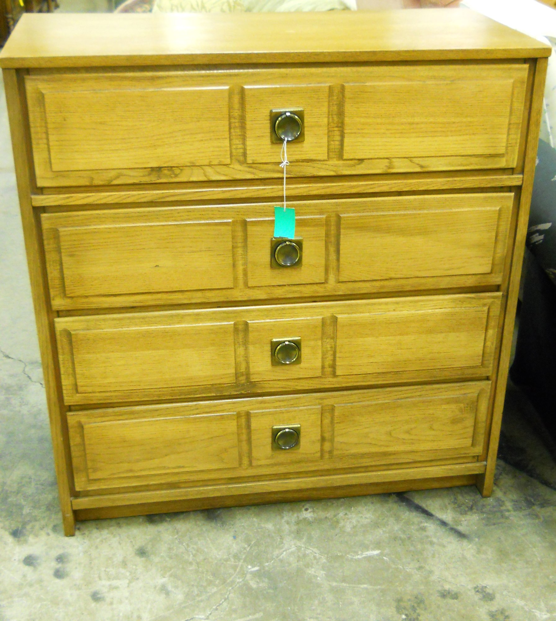 Used Furniture Gallery: 1-12953 Chest