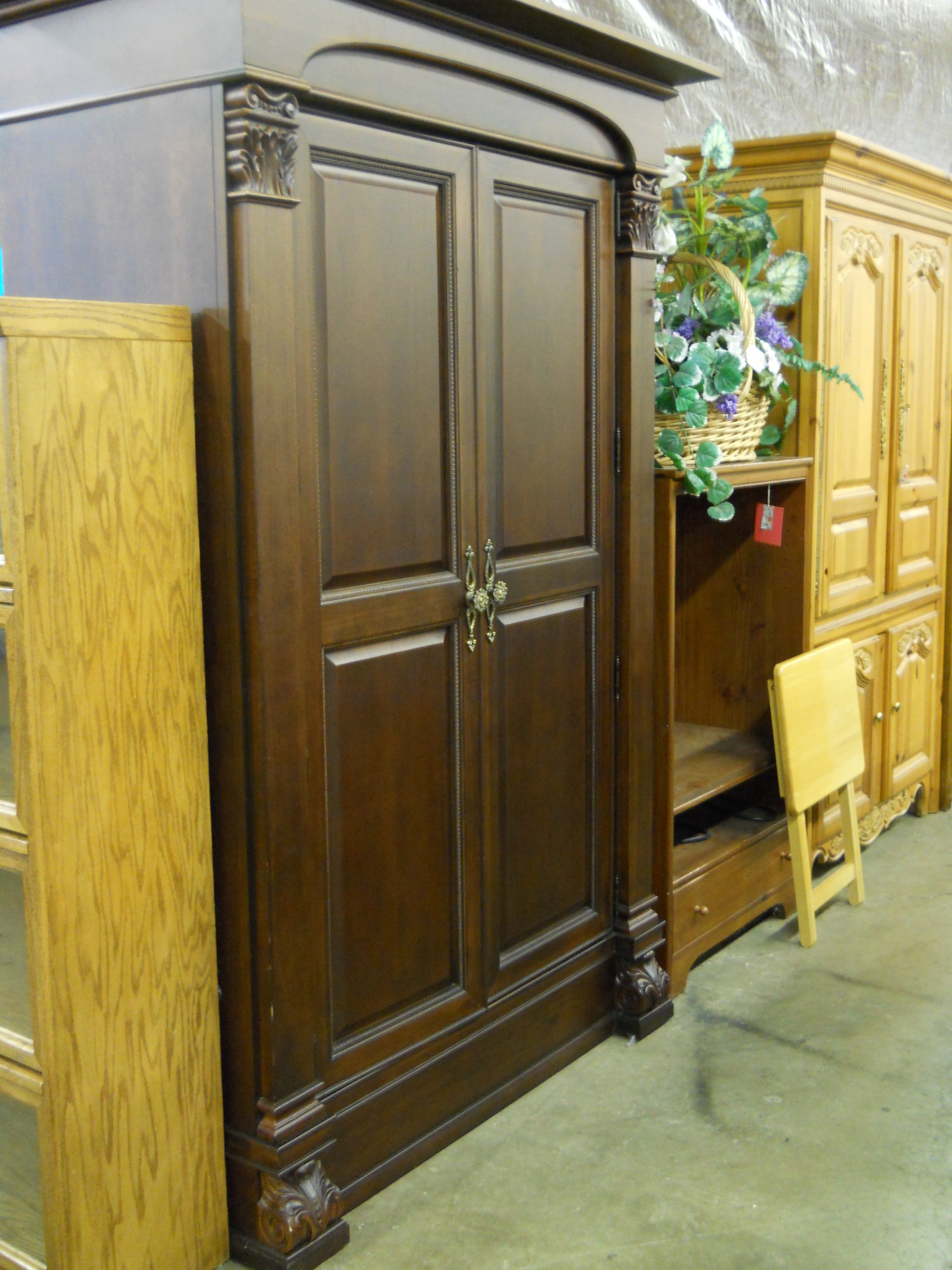 1 13586 Thomasville Transitional Armoire Is Sold