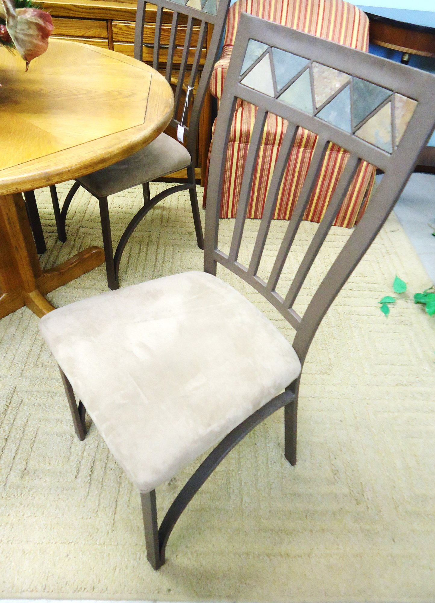 1 13367 4 Metal Chairs