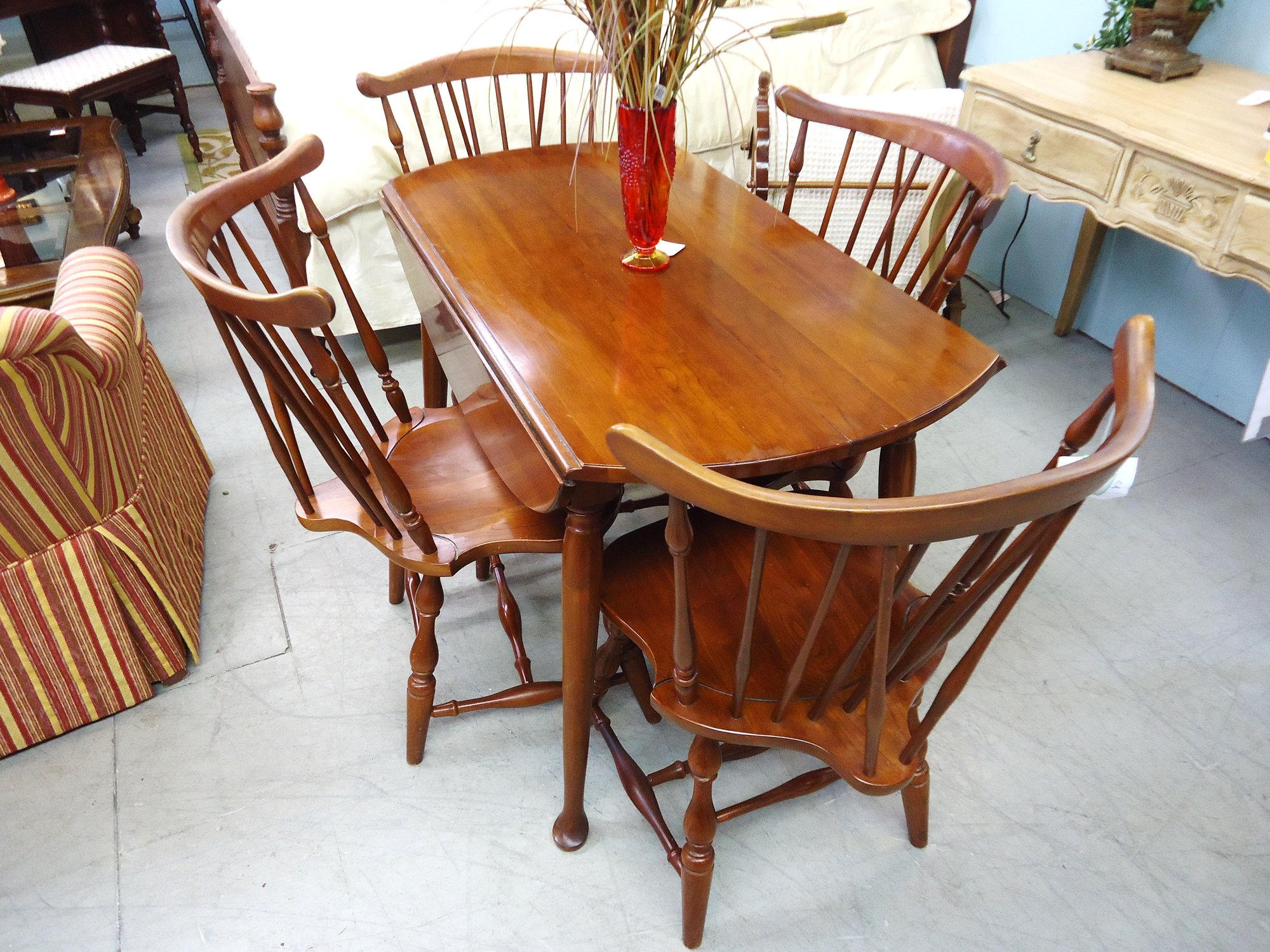 1 14730 Pennsylvania House Cherry Drop Leaf Table With 2