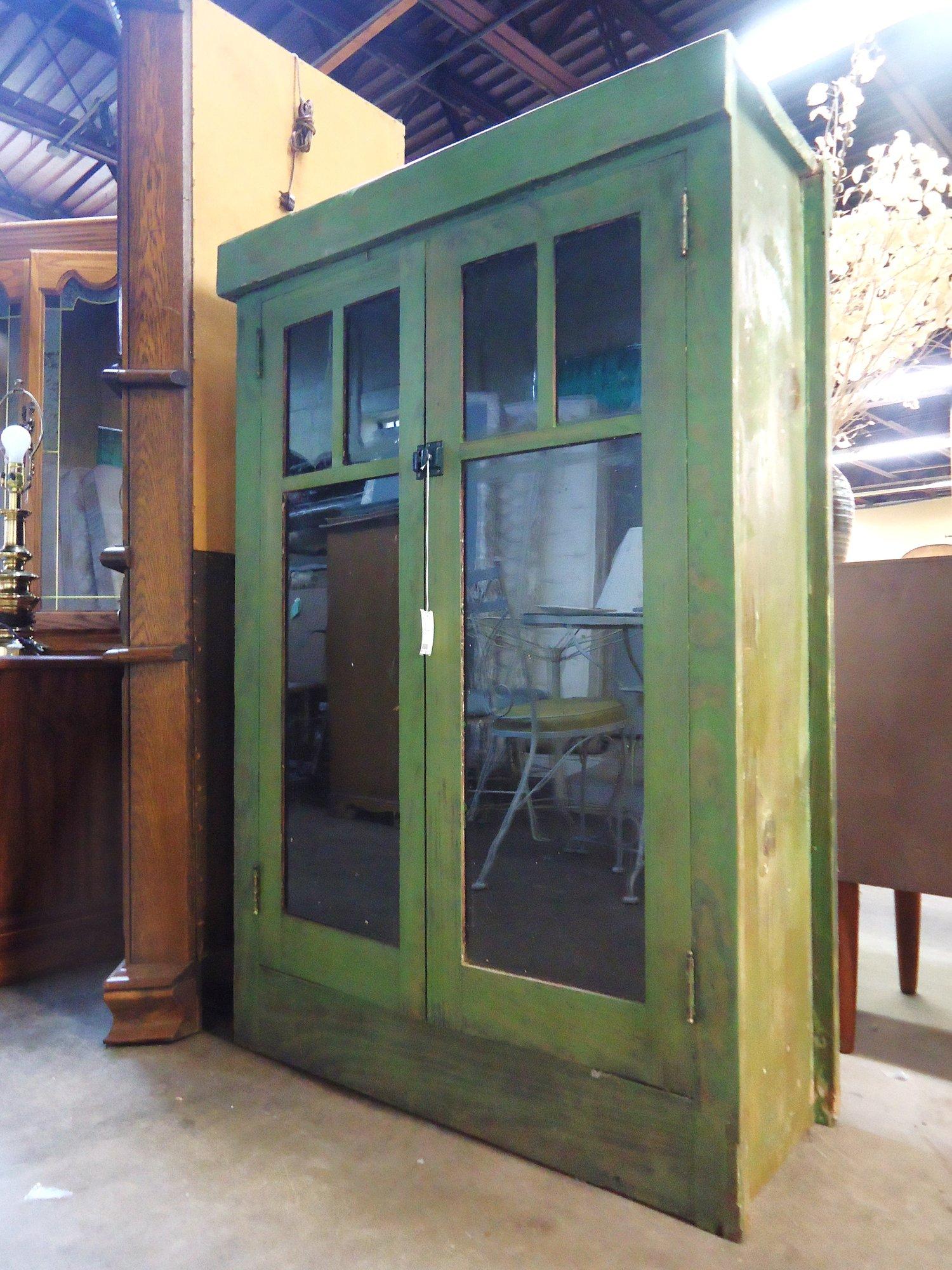 1 15232 Primitive Green Cabinet