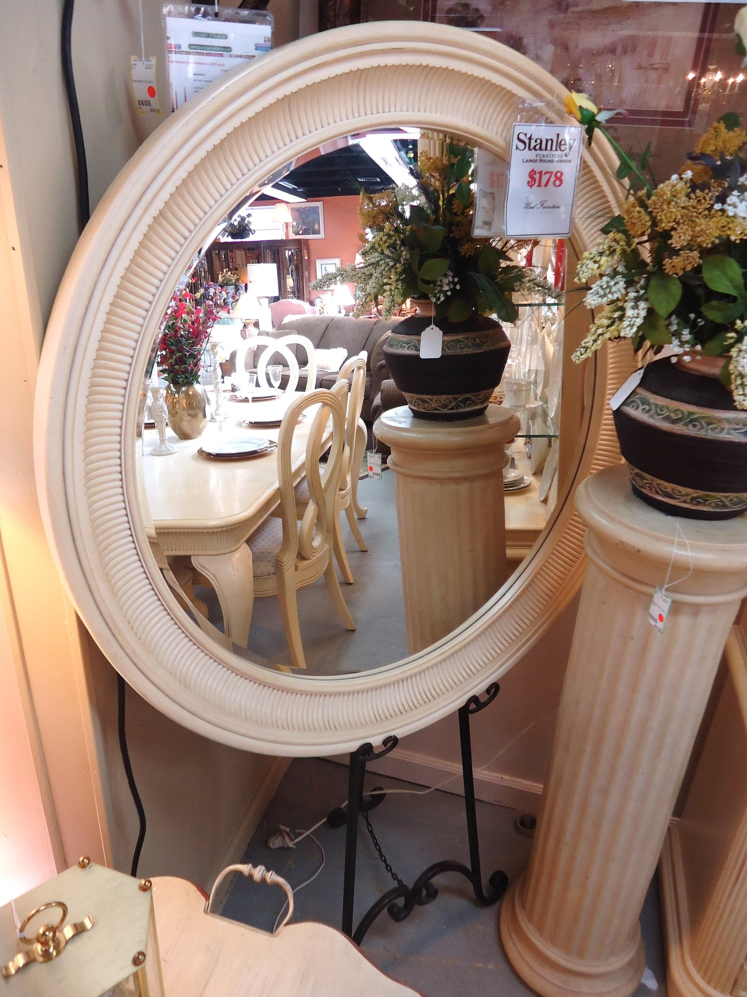 1 15654 Stanley Furniture Over Sized Circular Mirror