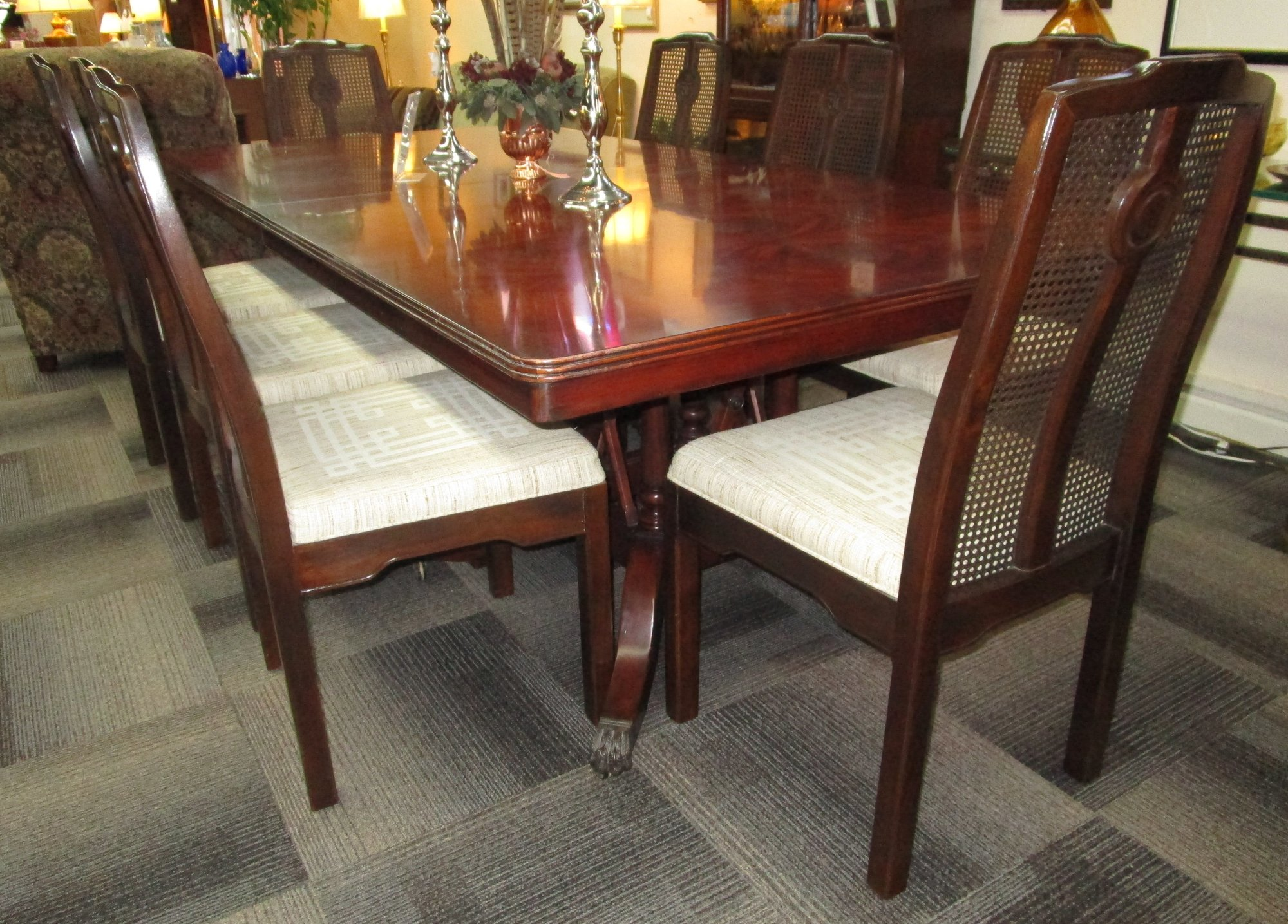 1 22910 Hickory White Table With 8 Drexel Chairs