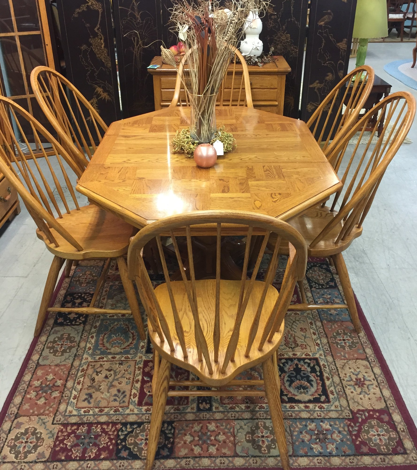 1 24476 Thomasville Oak Dining Table, 6 Chairs, 2 Leaves