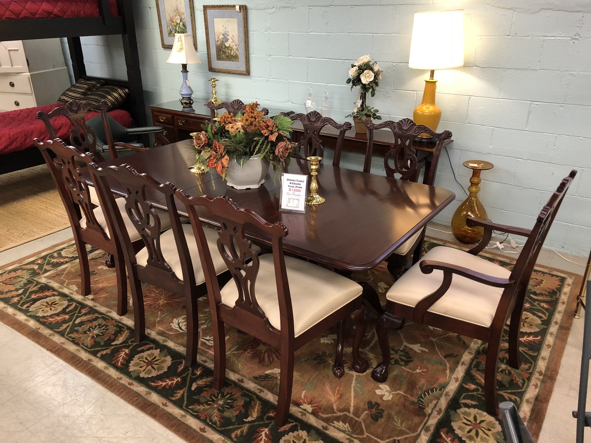 1 25293 dining table w  8 chairs leaf pads used furniture gallery  rh   usedfurnituregallery com