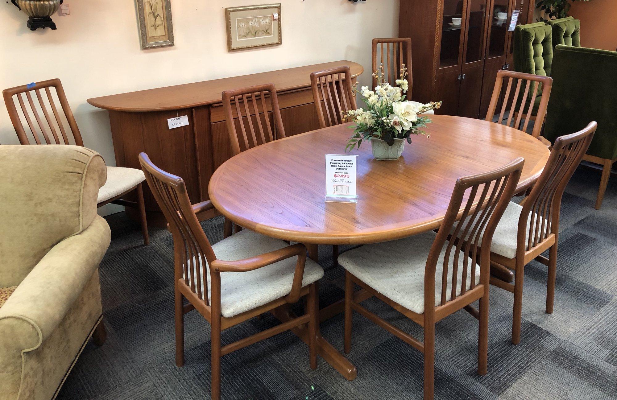 1 25788 Danish Modern Table W/ 8 Chairs, Hide Away Leaf, Buffet 1 25788  Danish Modern Table W/ 8 Chairs, Hide Away Leaf, Buffet