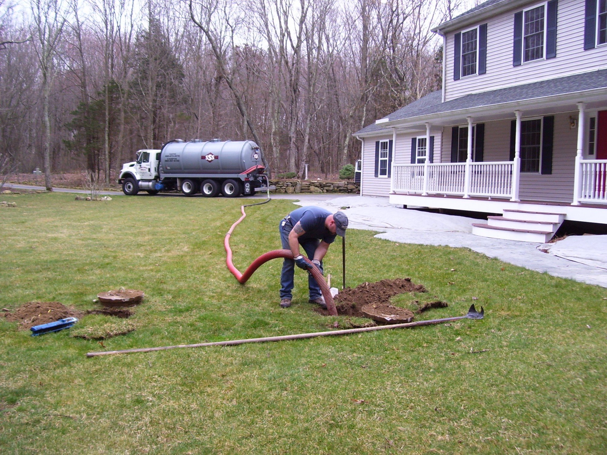 Residential septic system cleaning sss canton ct east for Residential sewer systems