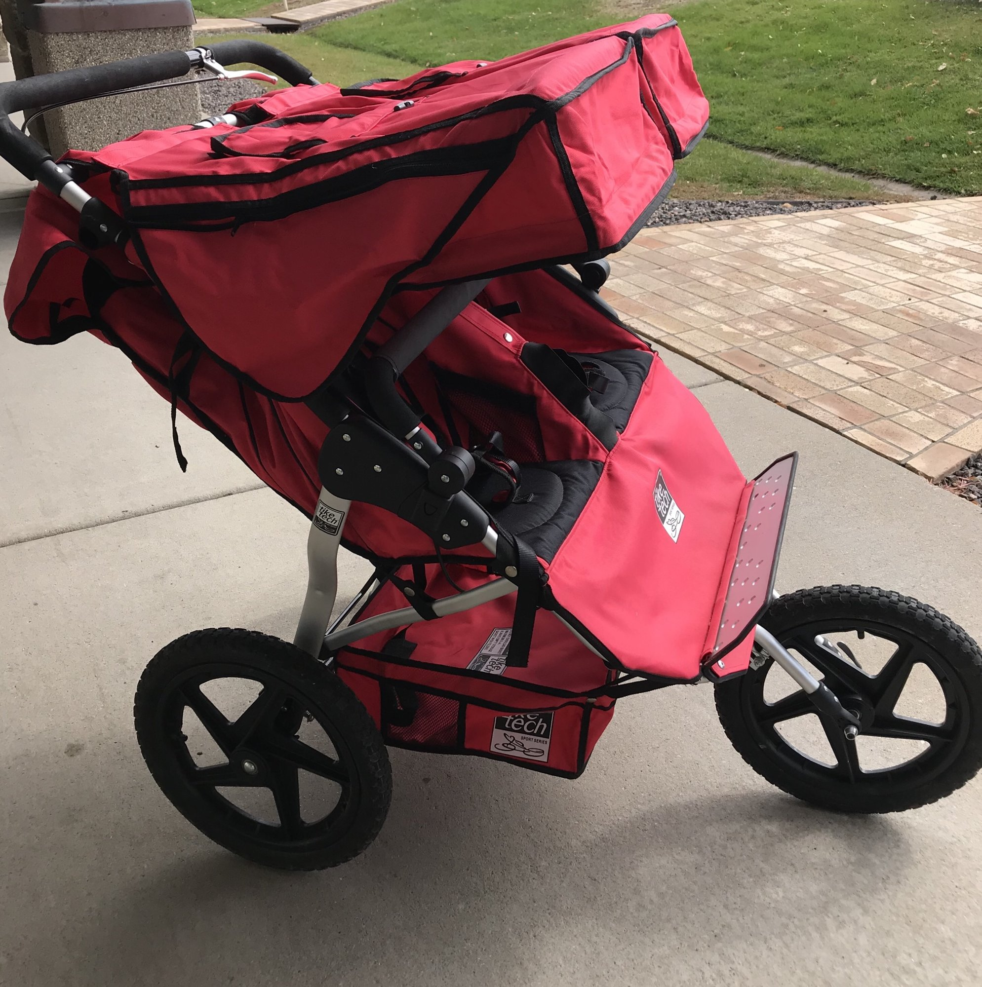 Tike Tech Double Jogging Stroller in EXCELLENT condition. Doe not look like it was used much.  Retails new for $500.